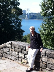 Walking path to Cloisters along Hudson River and George Washington Bridge